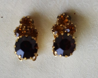 Vintage 1970's Auburn, Yellow, Rhinestone/Gold Toned Clip on Earrings