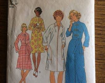 Simplicity 7238 1975 Dressing Gown Sewing Pattern 16