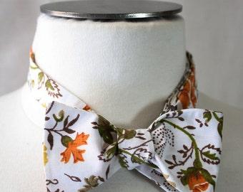 Vintage Floral Self-Tie Bow Tie