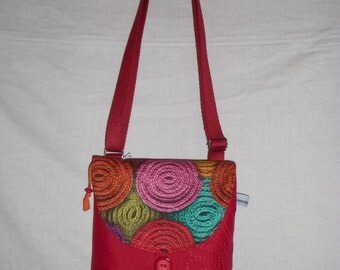 Small bag shoulder strap adjustable in rabat, red, patterns knitting in multicolored spirals