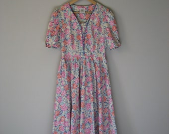 Classic Vintage 80s Laura Ashley Floral Tea Dress | Button Bodice
