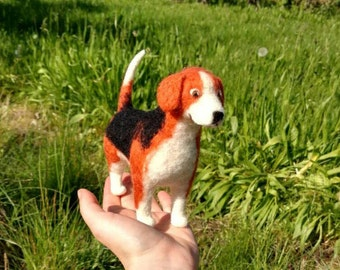 Beagle dog, felted animal, pet, natural materials, whool, soft, gift, unique, decoration, textile art, felt, present, animal, figure, statue