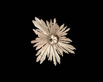 Large Art Piece Silver Brooch   GJ2541