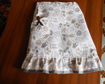 Shabby chic kitchen apron