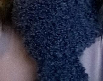 Bouclé woolen scarf
