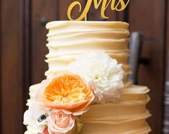 Mr & Mrs cake topper, Wedding cake topper, Wooden cake topper, Mr and Mrs cake topper, Mr and Mrs wedding cake tooper, gold cake topper