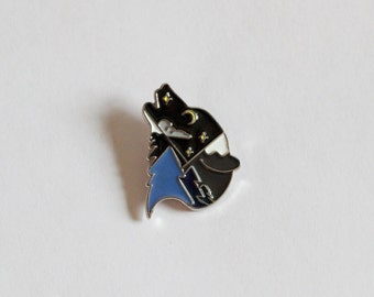 MOUNTAIN WOLF BLUE Enamel Pin