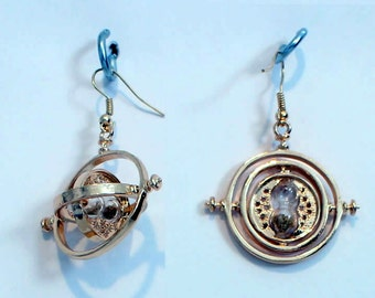 Time Turner Earrings (Set of Two) Spinning Circles Sand in Hour Glass