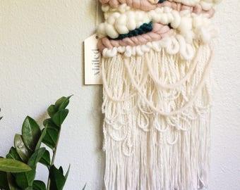 Woven wall hanging / Wall weaving / Weaving wall hanging / Wall hanging woven / Woven wall art / Tapestry