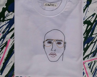 "White T-shirt, embroidered hand (size L) ""Emperor"""