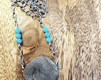 Gray Oval Stone w/Turquoise Beads Necklace