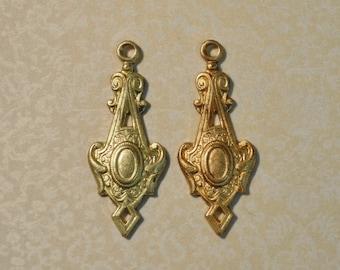 Vintage French Fleur de Lis Charm Pendant Earring Findings Stone Setting Raw Brass Die Cast 1 Piece 149J