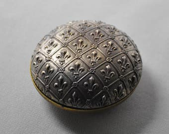 Vintage French Locket Keepsake or Pillbox Finding Fleur de Lis Raw Brass Die Casting 2 Pieces 426-427J