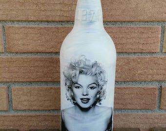 Marilyn Monroe beer bottle, hand decorated bottle marilyn monroe, marilyn monroe fan, marilyn monroe, original gift gift