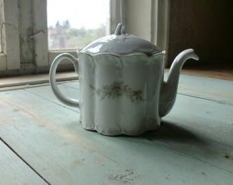 Vintage tea pot, porcelain teapot made in Bulgaria.