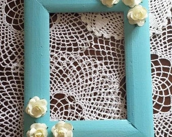 Picture frame blue with white roses