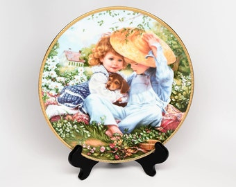 SANDRA KUCK A Time to Love Collector's Plate ~ Sandra Kuck ~ Reco Plates ~ Collector Plates ~ Bradex Collector Plates ~ Plates ~ Kuck Artist