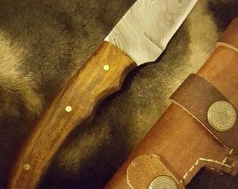 Bush Craft Damascus Knife with Walnut Wood  ''8'' A4