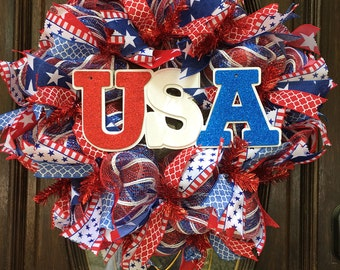 SALE***USA Wreath, 4th of July Wreath, Memorial Day, Deco Mesh Wreath, Summer, Patriotic, Independence Day, Red White & Blue/Decomesh