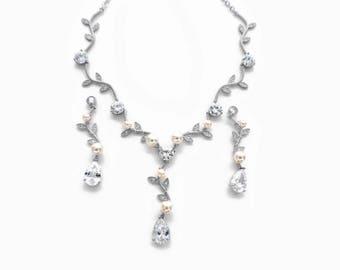 Silver jewelry, wedding jewelry set, crystal necklace set, pearl necklace set, crystal necklace, crystal earrings set, bridal jewelry
