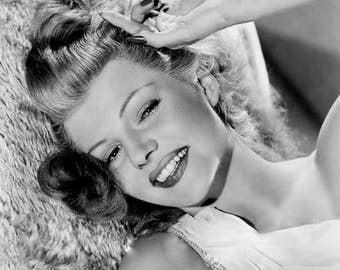 RITA HAYWORTH PHOTO #23