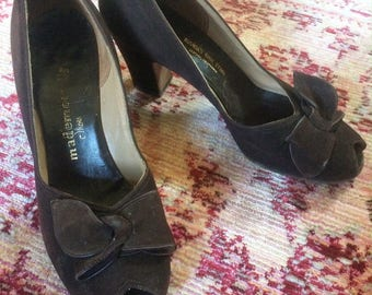 1940s Brown Peeptoe Bow Toe Pumps