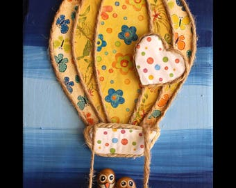 Child table with balloon and owls