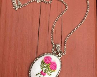 Brazilian Etamine Embroidery Necklace (Silver Plated)