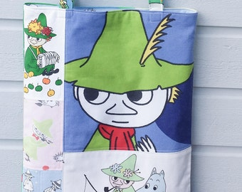 Large tote shopping bag shoulderbag with Moomins Snufkin
