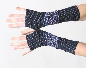 Dark blue arm warmers, Patchwork jersey fingerless gloves, navy blue wrist warmers, Blue wristwarmers, Womens accessories, MALAM