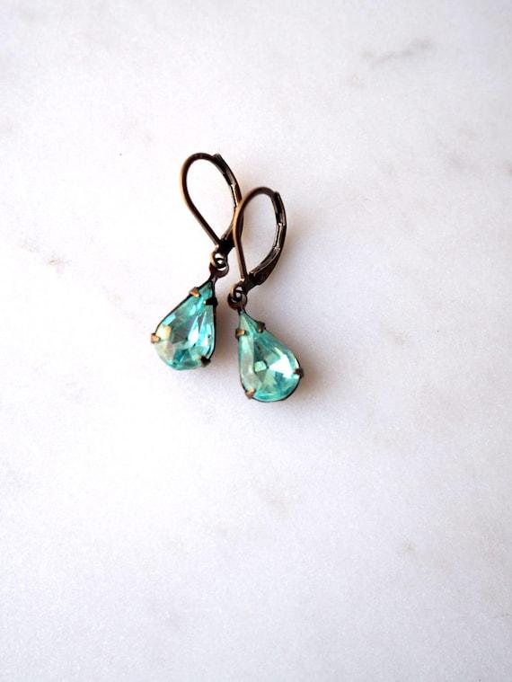 Aqua Rhinestone Earrings / Glass Jewel Earrings / Vintage Earrings / Pale Aqua Brass / Drop Earrings / Wedding Jewelry