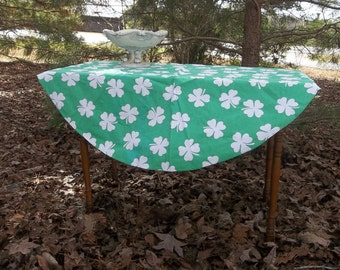 St Patrick's Day Tablecloth | St Patrick's Decorations | Shamrock Tablecloth | Vintage Handmade Tablecloth | Round Tablecloth | 43 Diameter