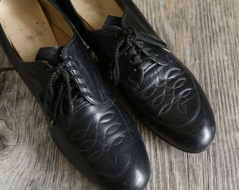 SALE - 1930s Leather Shoes . Black Heels