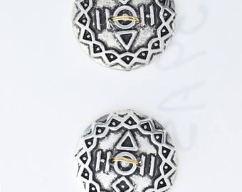 Button set of 4 , 2 hole , Plated plastic , Antique silver finish , sold 4 each OB9539AS