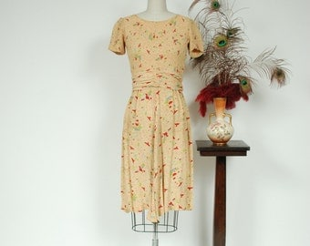 Vintage 1940s Dress - Butter Yellow Silk Novelty Print Day Dress with Bright Red Birds and Ruched Waist - Swallowtail