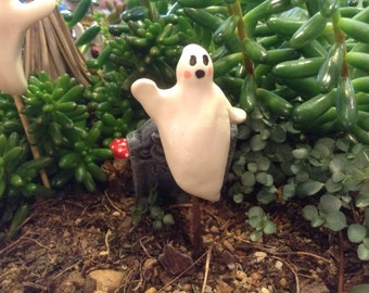 Ceramic Ghost  OH MY, its a GHOST   Boo   terrarium miniature glazed Pottery . Spooky Boo Goblins Halloween decor safe Outside