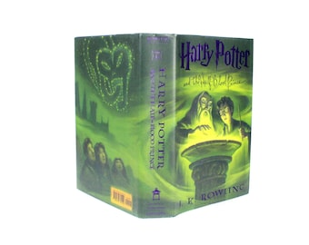 Harry Potter Floating Heart Engagement Proposal Ring Box Hollow Book Unbreakable Vow Half Blood Prince - New Condition - READY TO SHIP