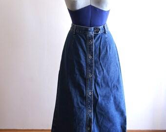 Calvin Klein 90s button front denim skirt sz. Medium