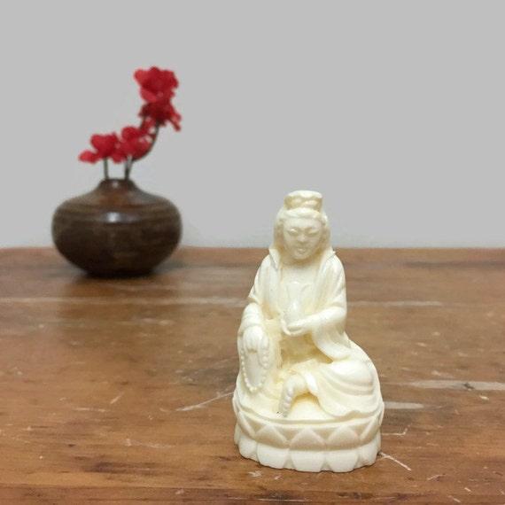 Vintage Kwan Yin Statue Figurine - Small, Plastic or Resin
