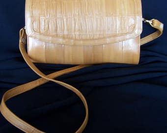Tan Eelskin Clutch Crossbody Purse Handbag 4 Compartments Elegant 80s Bag Rusched Front Flap Detachable Shoulder Strap FavoriteCollectibles