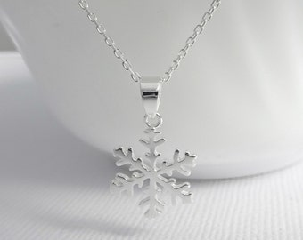 Snowflake Necklace, Winter Necklace, Silver Snowflake Necklace, Sterling Silver Snowflake Necklace, Bridesmaid Necklace Flower Girl Necklace