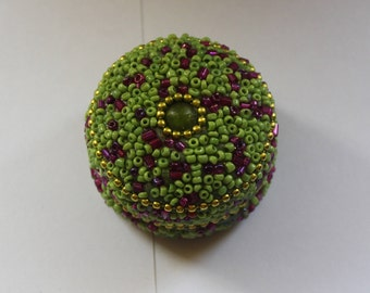 Mother's Day Ring Holder Handmade Trinket Holder,Green/Purple/Beaded Container, Seed Bead Ring Box,Small Jewelry Box, Pill Box, Teenage Ring