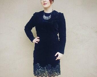 Black Velvet Dress - Vintage Couture Oscar de la Renta - Size Medium