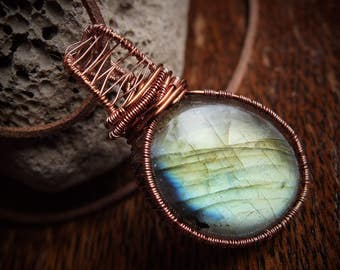 Labradorite pendant necklace - grade AA labradorite - excellent flash - copper wire - uk artisan jewellery