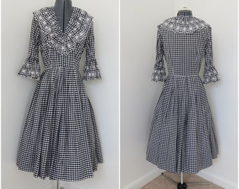 1950s Dark Navy & White Gingham Dress - Womens Bust 36 - Rockabilly Western Square Dance Dress with Bell Sleeves and Eyelet Embroidery