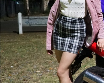 Vintage Late 80s Early 90s Heart and Soul Black and White Plaid Checkered Tartan Mini Skirt