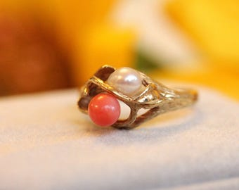 Gold vintage ring, coral and pearl ring, only one, VINTAGE ring