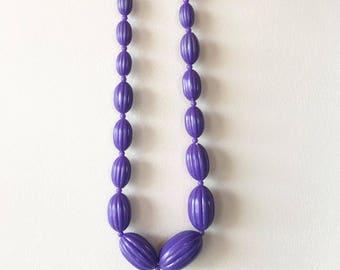 Vintage 80s Purple Bead Necklace / Retro Fashion Jewelry