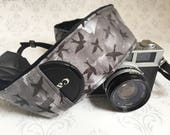 DSLR Minky Camera Strap, Padded with Lens Cap Pocket, Nikon, Canon, DSLR Photography, Photographer Gift,  - Blackbirds with Black