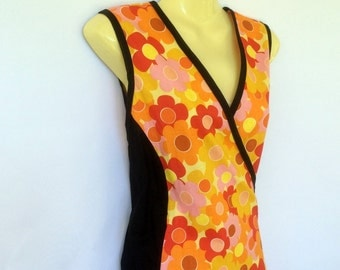 Ladies 16 to 18 Orange Daisy Wrap Dress -retro, floral, flower